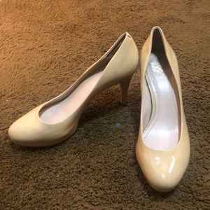 Vince Camuto Nude Pumps